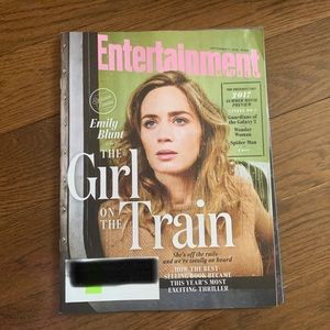 The Girl On The Train Entertainment Weekly Mag